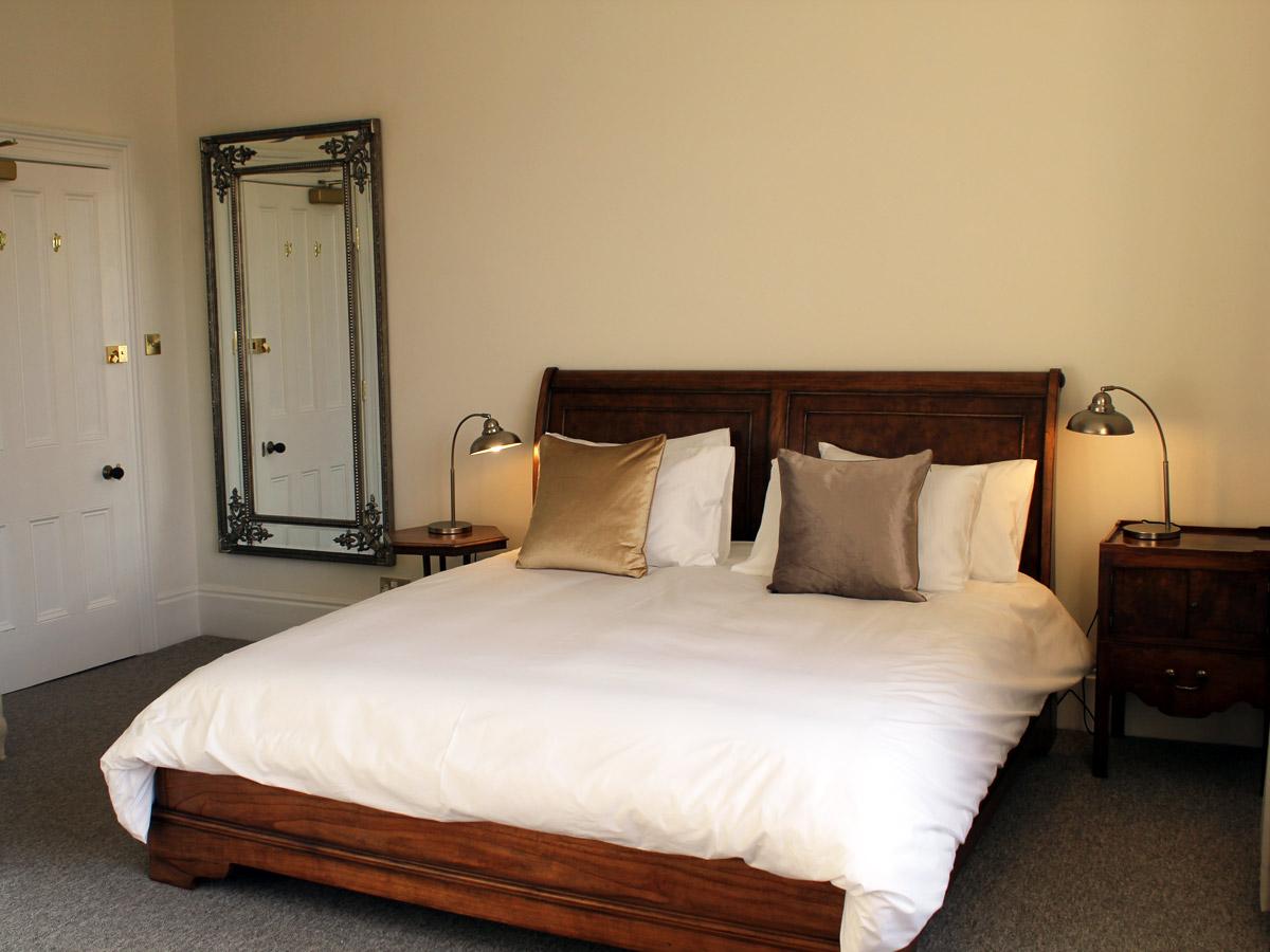 bedroom-3-thmb